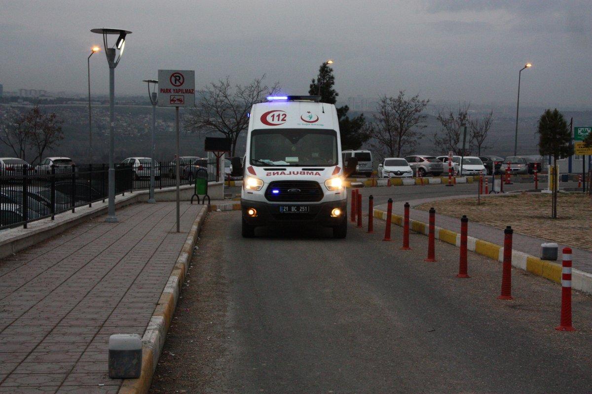 Diyarbakır da baba evine sığınan kadın eşi tarafından öldürüldü #1