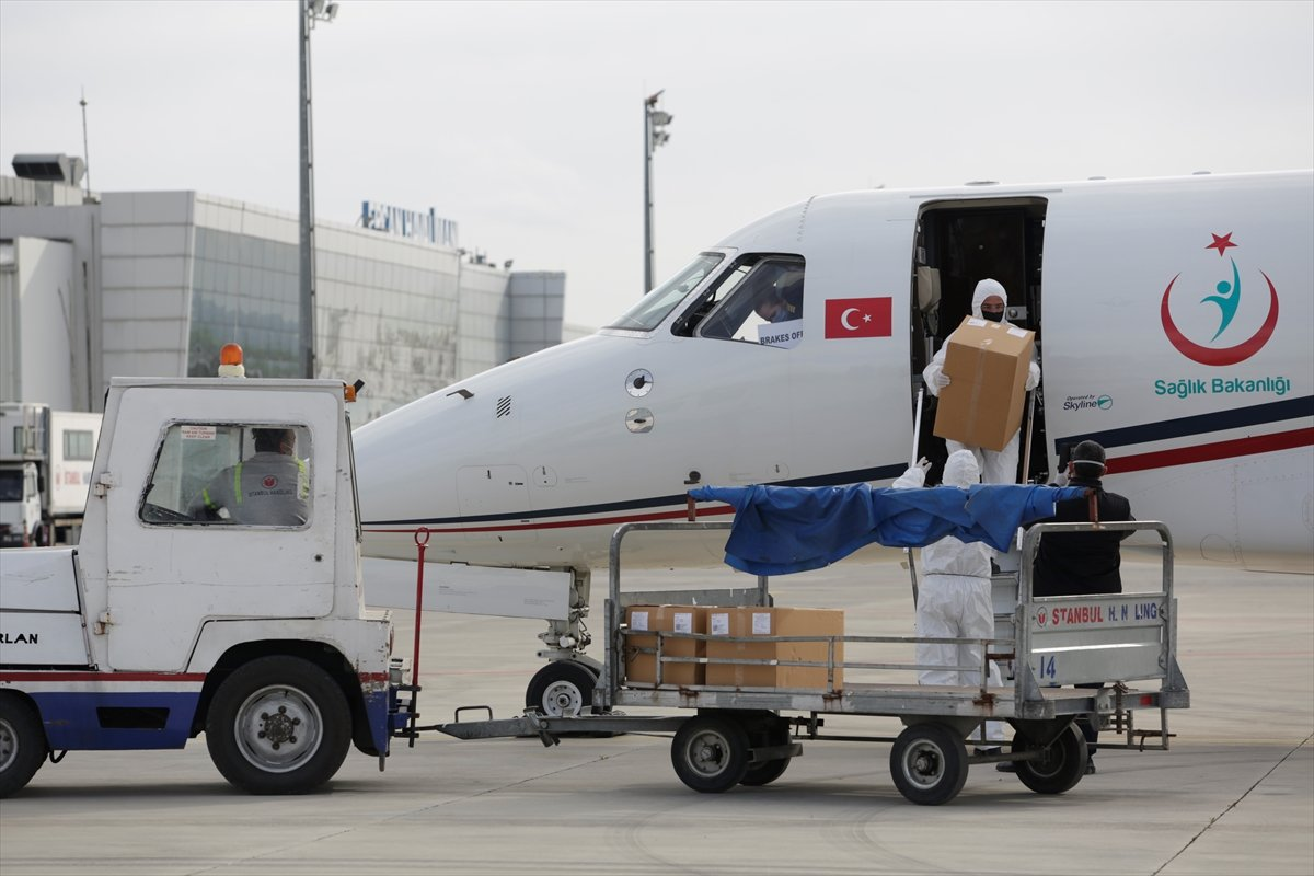 Türkiye, KKTC ye 20 bin doz daha korona aşısı gönderdi #1