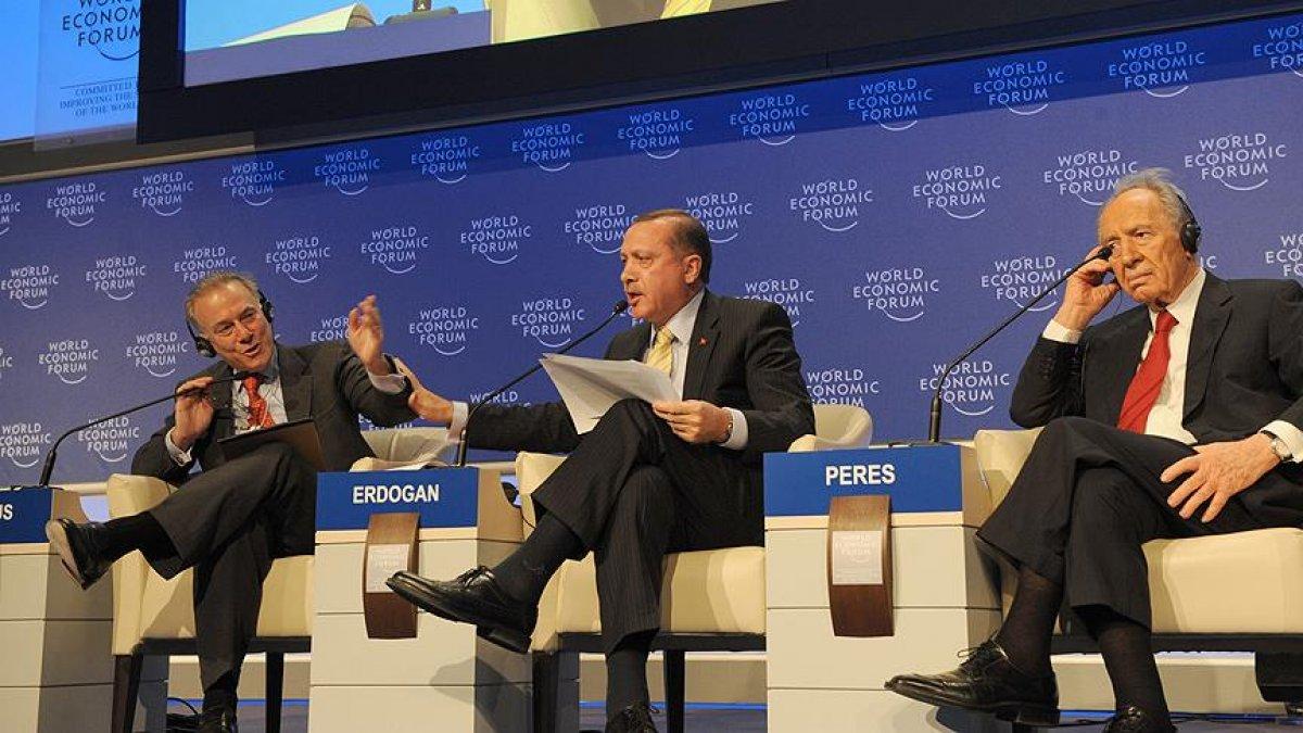Cumhurbaşkanı Erdoğan ın Davos taki tarihi  One Minute  çıkışı #3