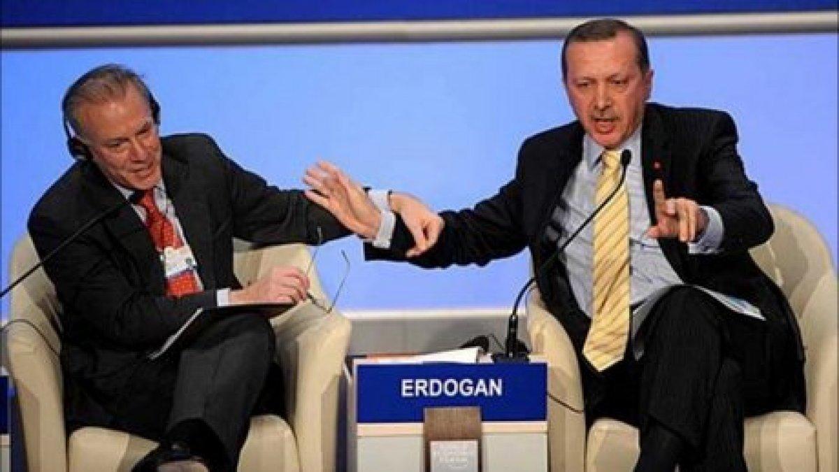 Cumhurbaşkanı Erdoğan ın Davos taki tarihi  One Minute  çıkışı #1