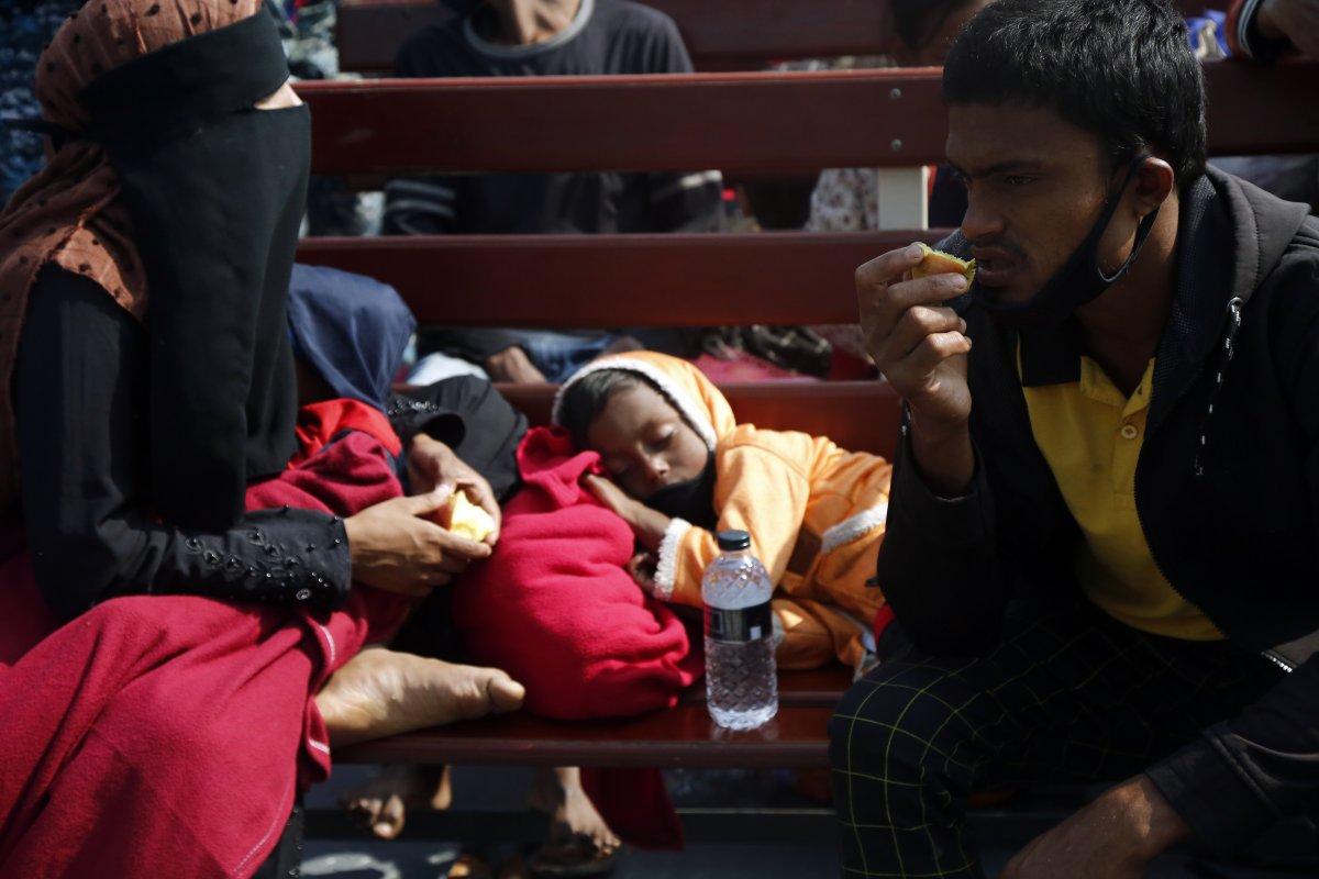Bangladeş, tepkilere rağmen Arakanlı Müslümanları Bhasan Char Adası na gönderiyor #3
