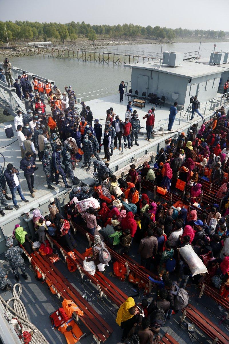 Bangladeş, tepkilere rağmen Arakanlı Müslümanları Bhasan Char Adası na gönderiyor #5
