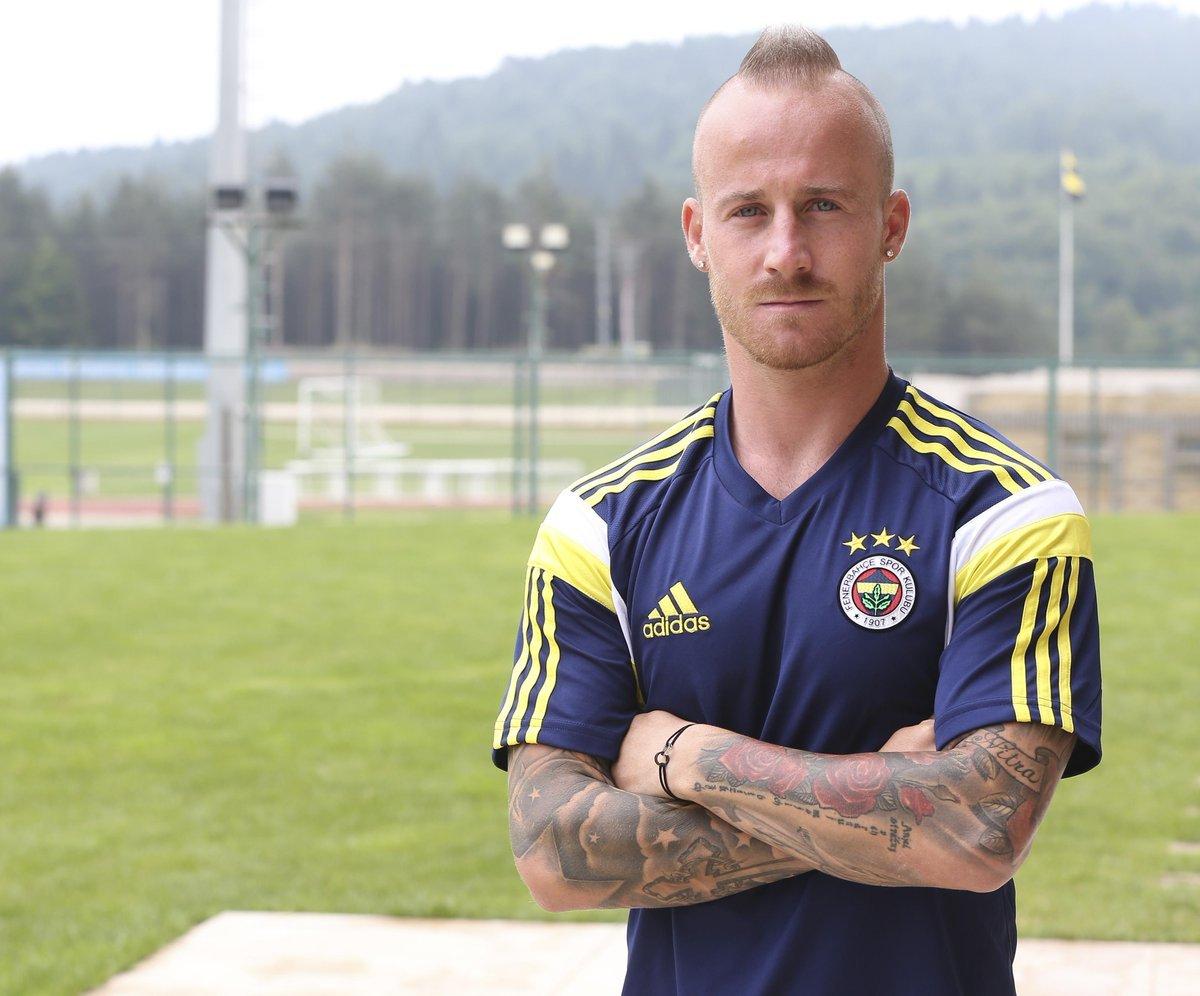 Fenerbahçe nin Galatasaray ın elinden aldığı futbolcular #3