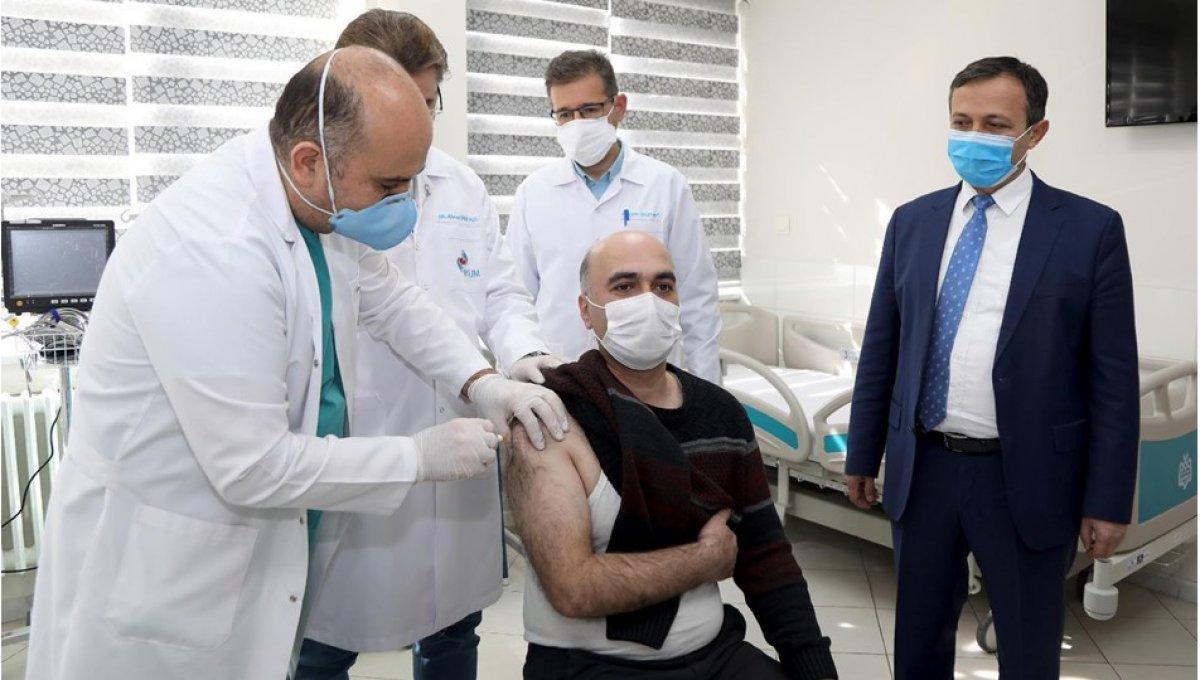 Yerli aşının faz 2 çalışmalarında ilk doz gönüllülere uygulandı #1