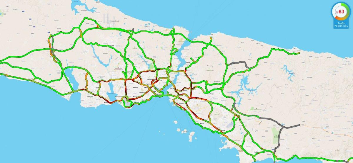 İstanbul da beklenen kar yağışı başladı #1