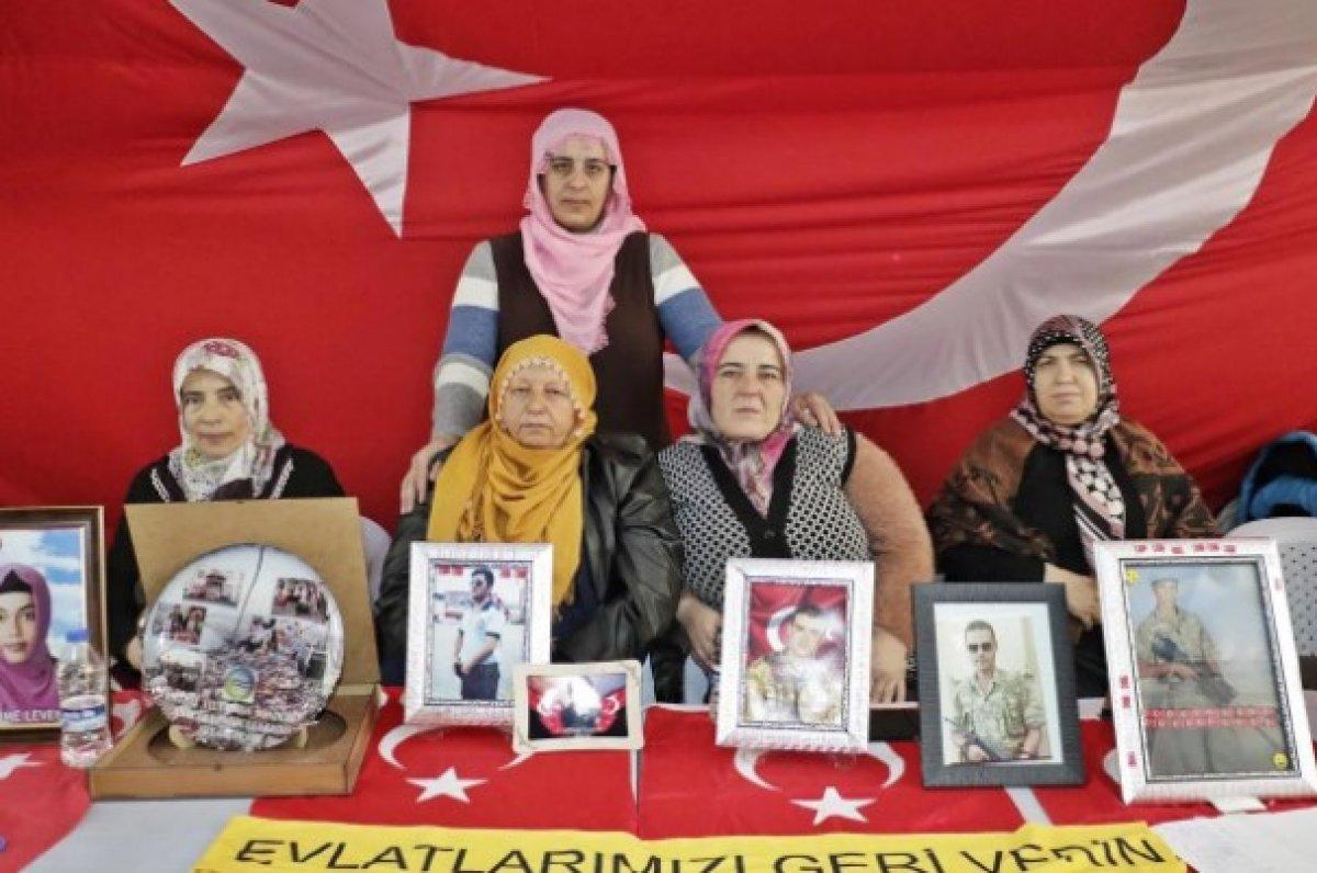 Gara şehitlerinin aileleri acı haberi evlat nöbetinde aldı #1