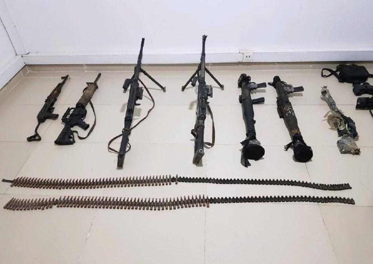 Gara daki mağarada çok sayıda silah ve mühimmat bulundu #3