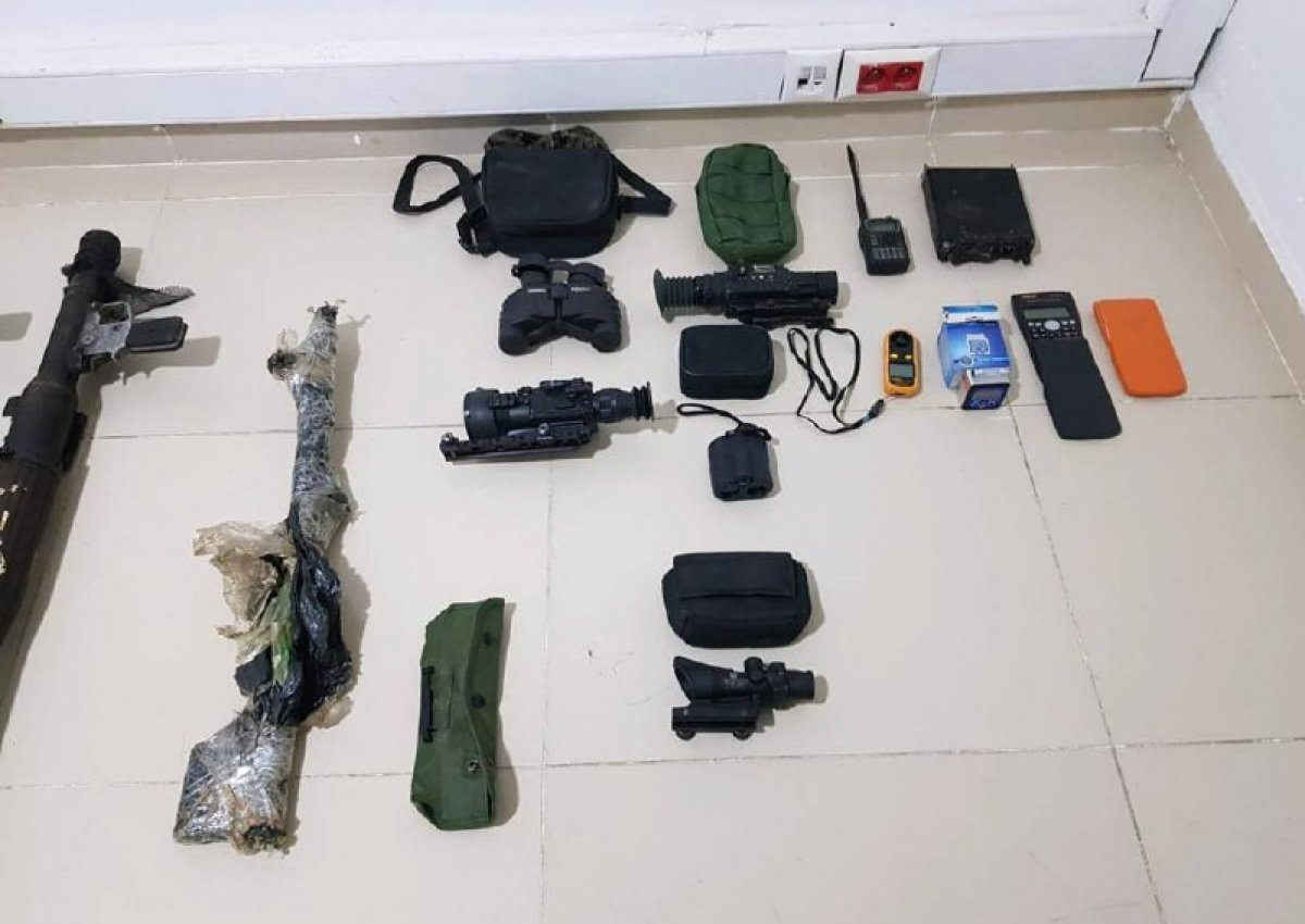 Gara daki mağarada çok sayıda silah ve mühimmat bulundu #4
