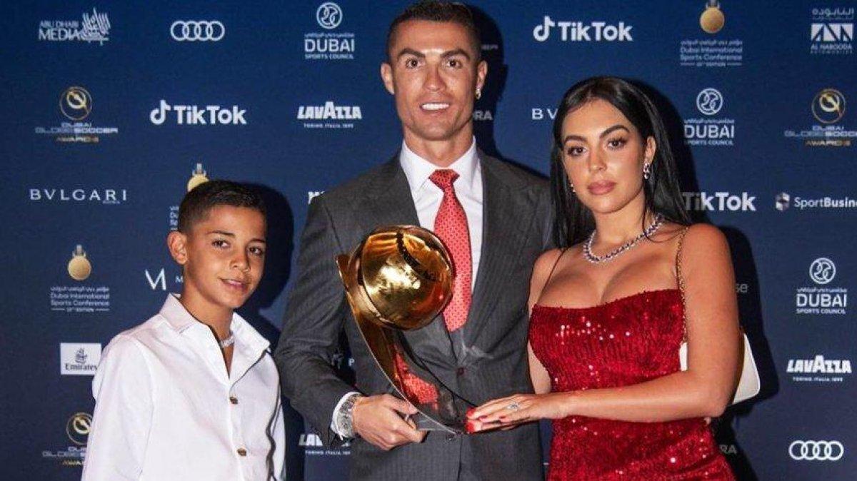 Ronaldo, Instagram dan yılda 50 milyon dolar kazanıyor #2