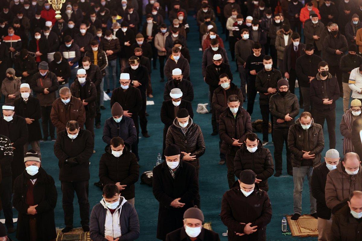 Ayasofya da Regaip Kandili idrak edildi #11