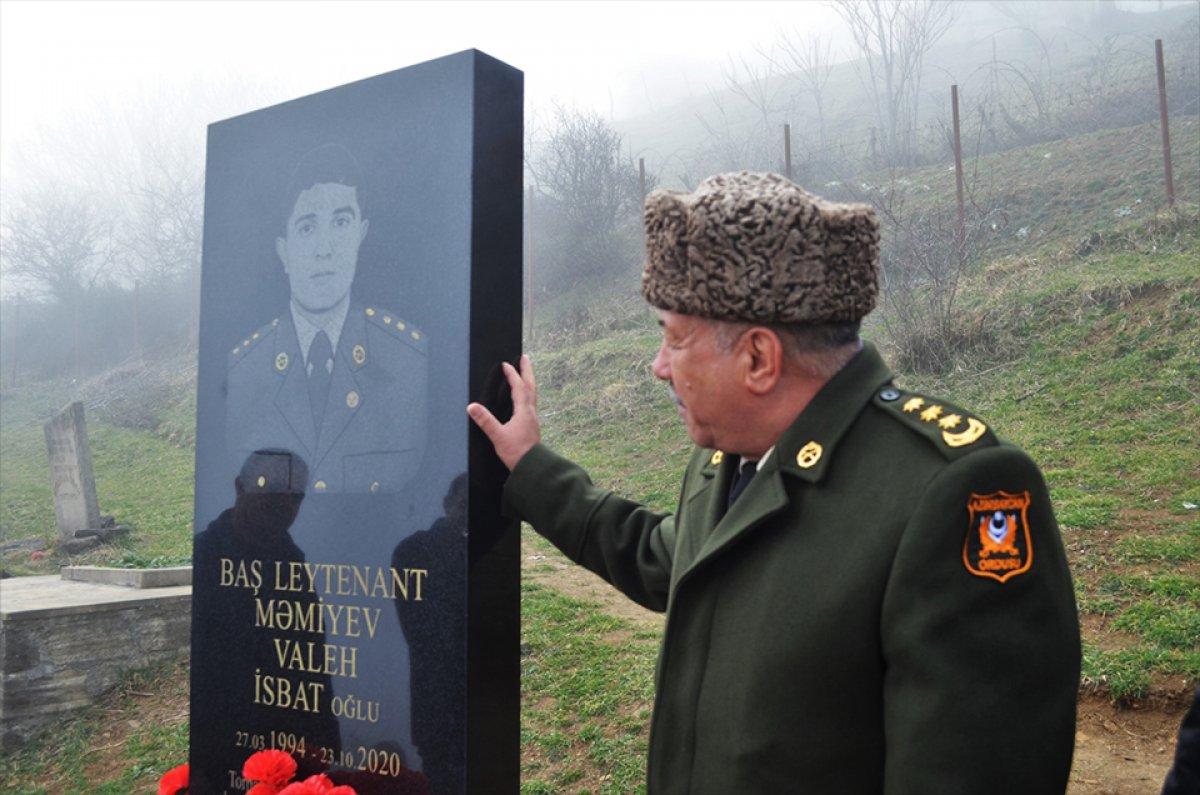 hulusi akar azerbaycanli sehit subayin ailesine mektup gonderdi 9380