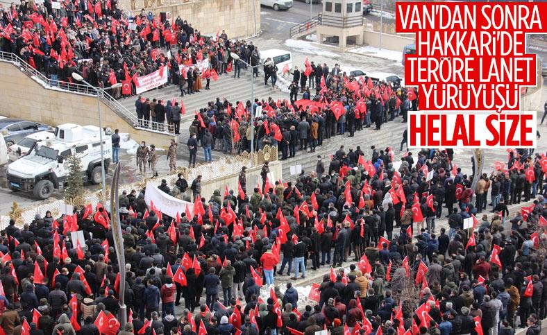 Hakkarililer, Gara'da 13 Türk vatandaşının şehit edilmesine tepki gösterdi
