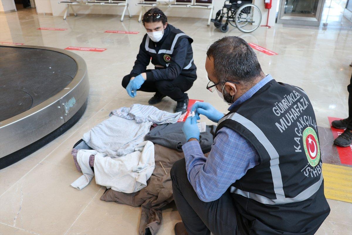 Denizli de İranlı yolcunun valizinden uyuşturucu çıktı #2