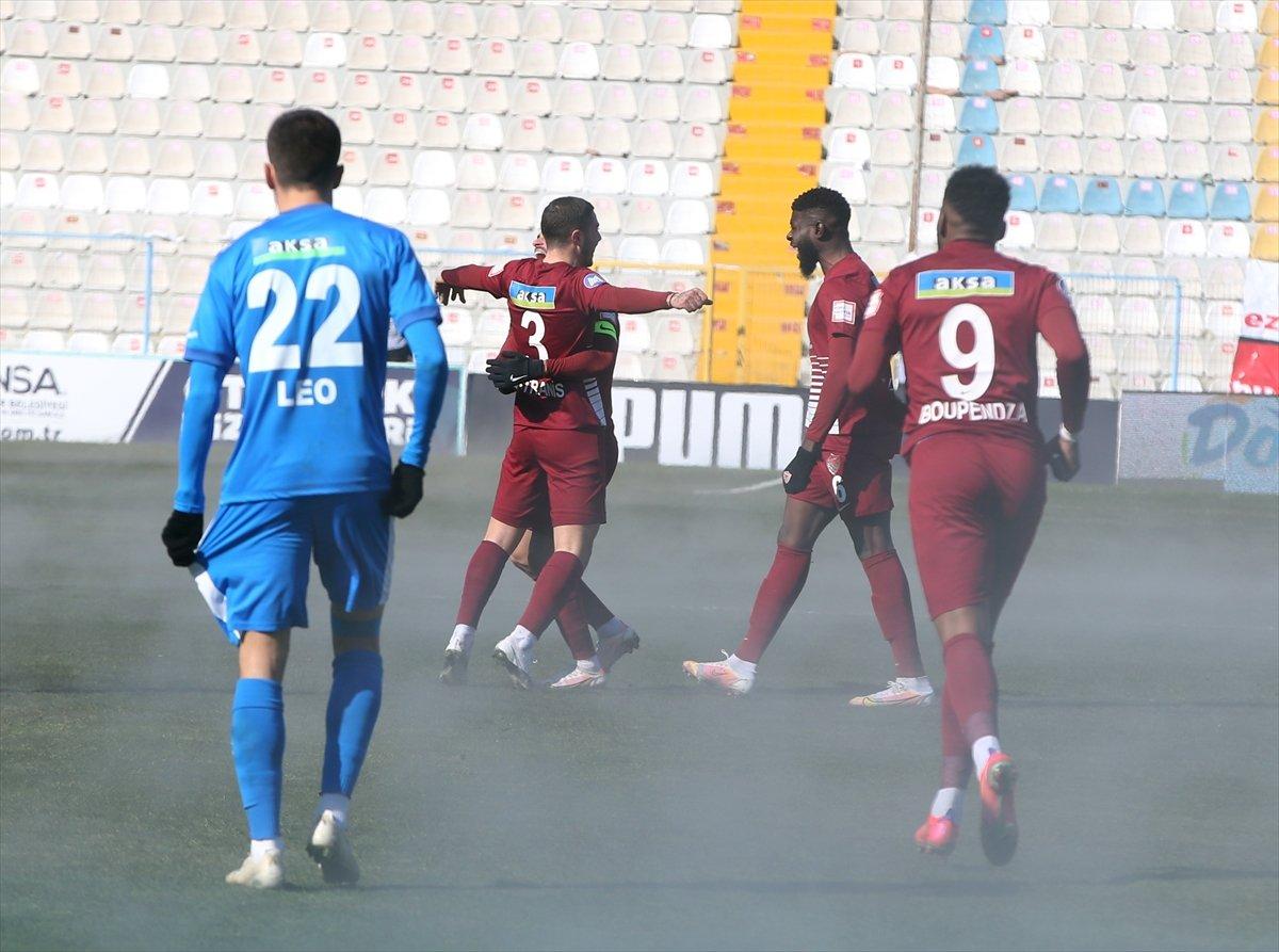 BB Erzurum-Hatayspor maçında ilginç görüntü #4