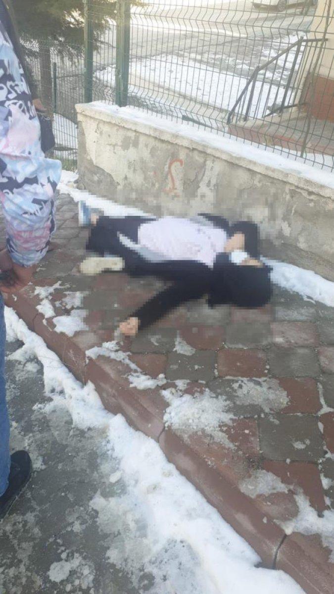 Ankara da bir kadın sokak ortasında vurularak öldürüldü #3