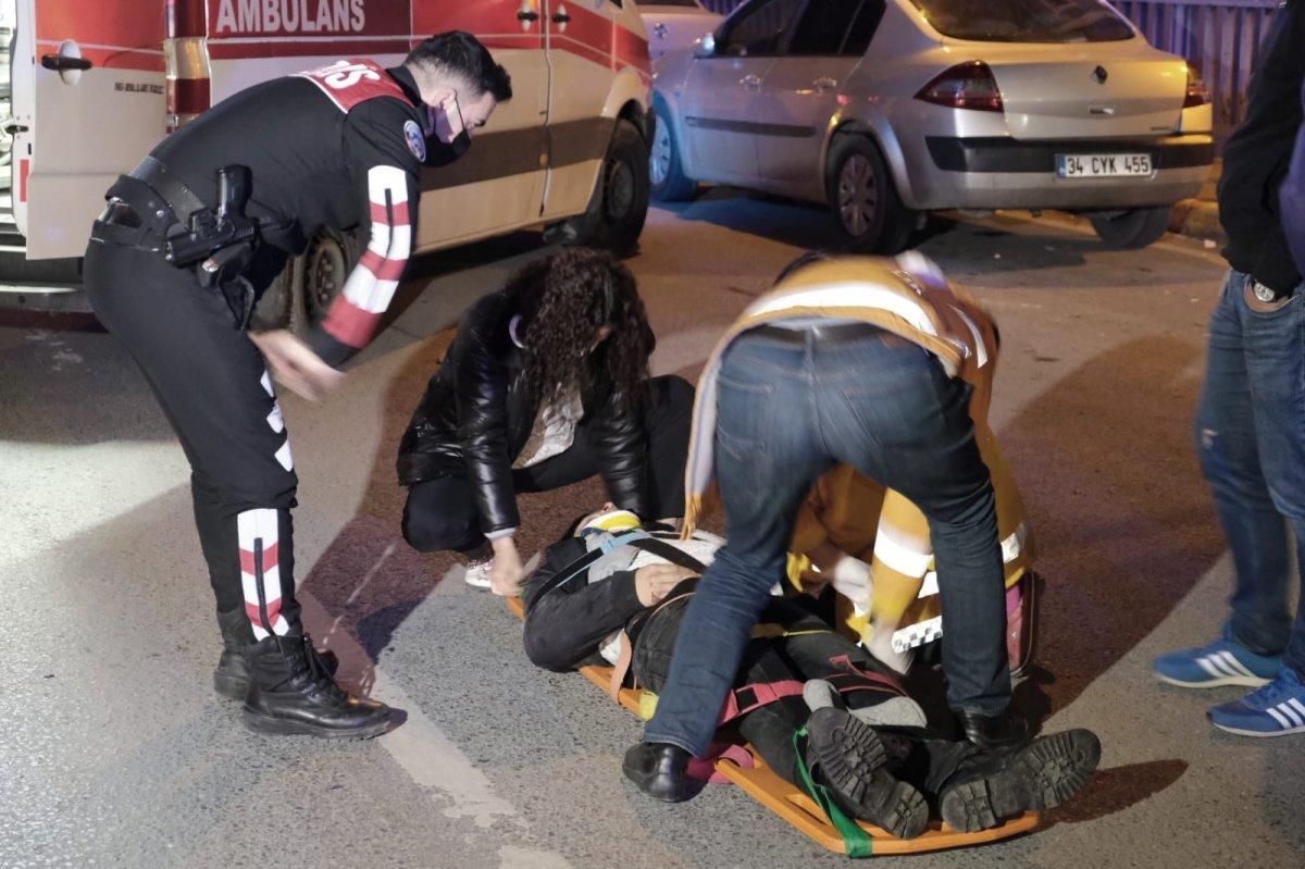 Beyoğlu nda yolun karşısına geçmek isteyen kişiye taksi çarptı #2