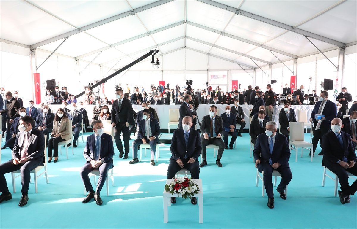 Cumhurbaşkanı Erdoğan İzmir de deprem konutları temel atma törenine katıldı #2