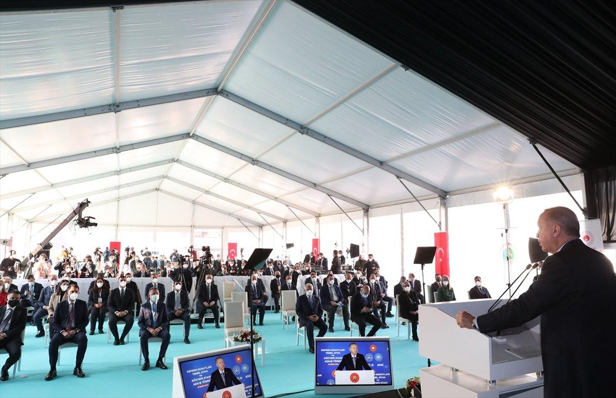 Cumhurbaşkanı Erdoğan İzmir de deprem konutları temel atma törenine katıldı #3