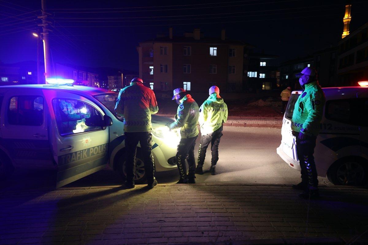 Konya da duvara çarpan sürücü hayatını kaybetti #3