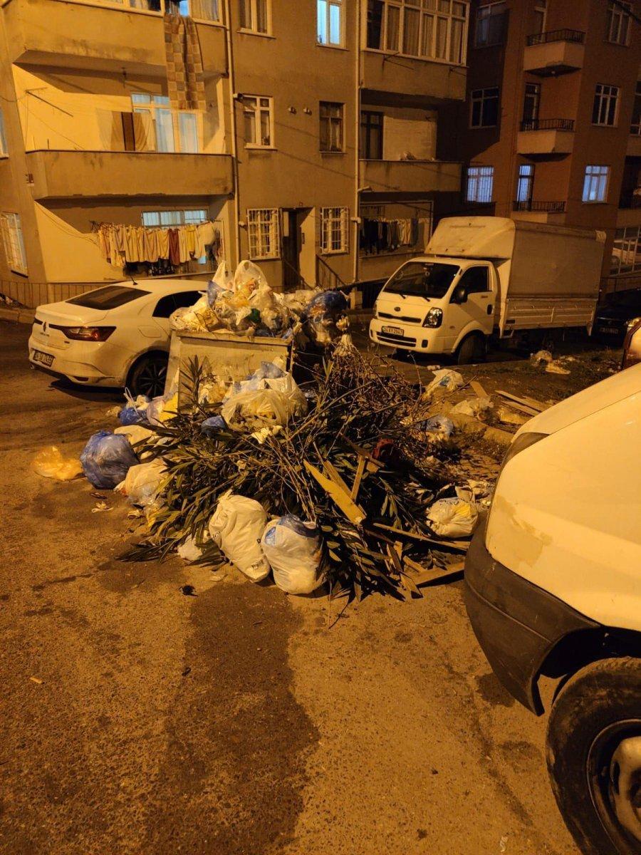 Maltepe deki çöp konteynerleri etrafa taştı #4