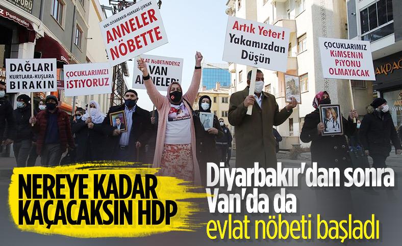 Van'daki aileler, HDP binası önünde oturma eylemi başlattı