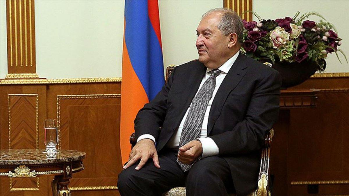 Ermenistan Cumhurbaşkanı, genelkurmayın görevden alınmasını onaylamadı #3