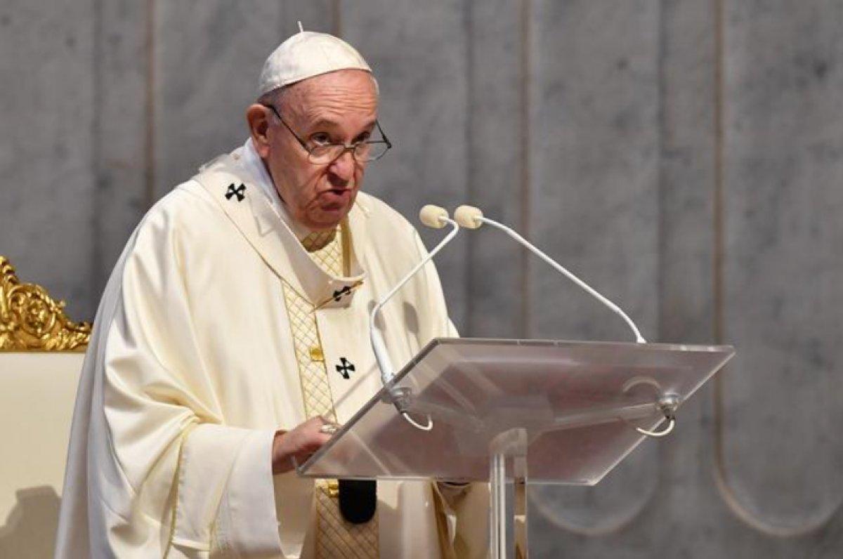 Papa Francis, ölümüne kadar ruhani lider olarak kalmayı umuyor #1