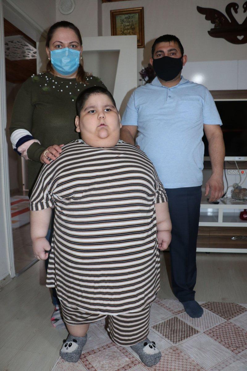 Samsun da 5 yaşındaki çocuk 90 kiloya ulaştı #2