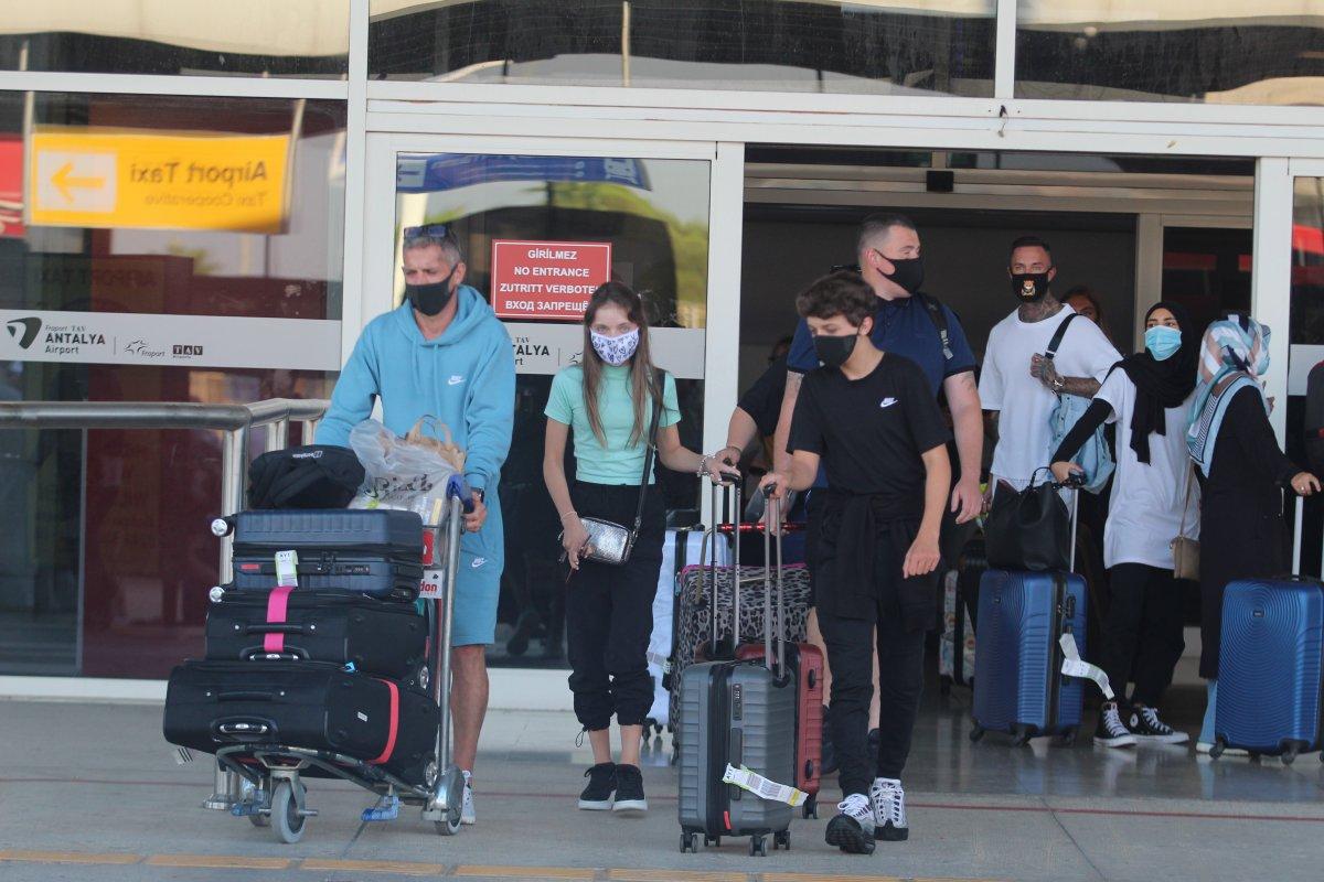 İngiliz basını: Türkiye, İngiltere den turistleri ağırlamaya hazırlanıyor #2