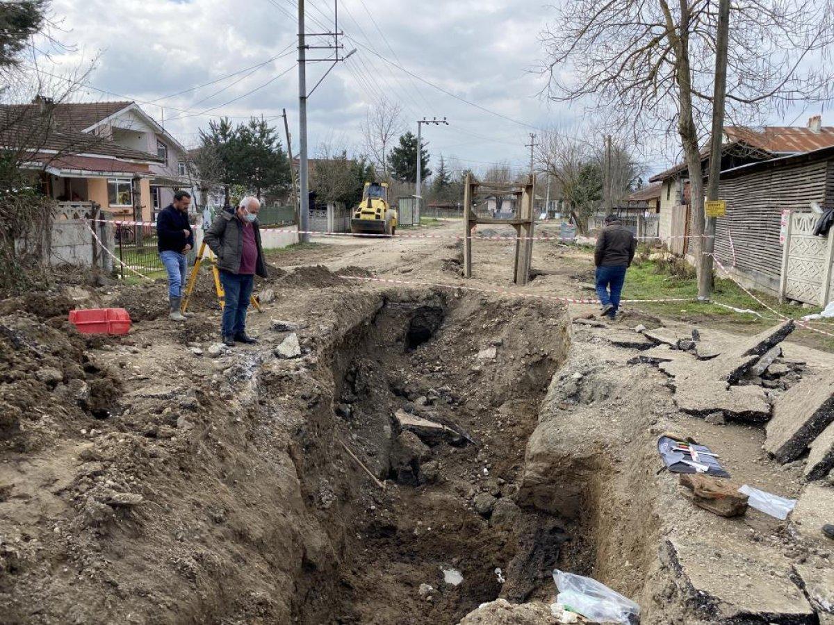 Düzce'de bin 500 yıllık Bizans mezarı bulundu #4