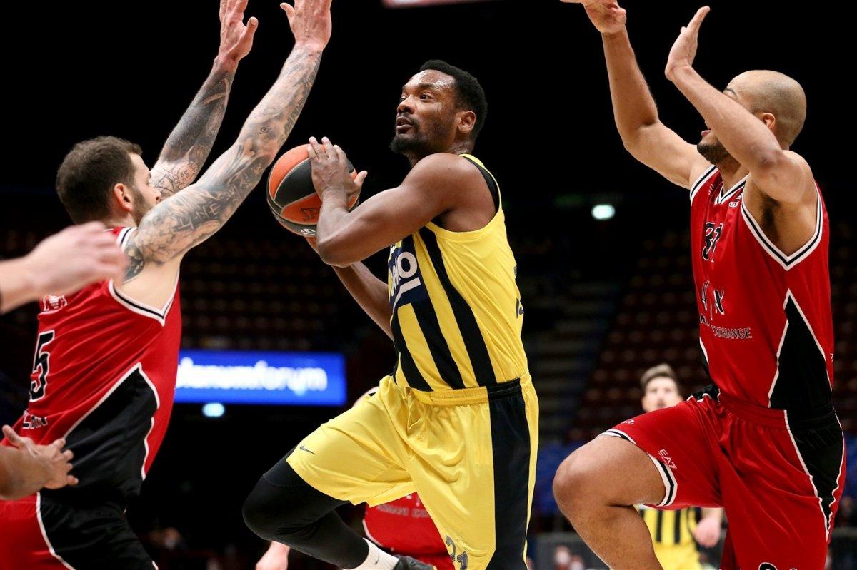 Fenerbahçe EuroLeague de Armani yi yendi #2