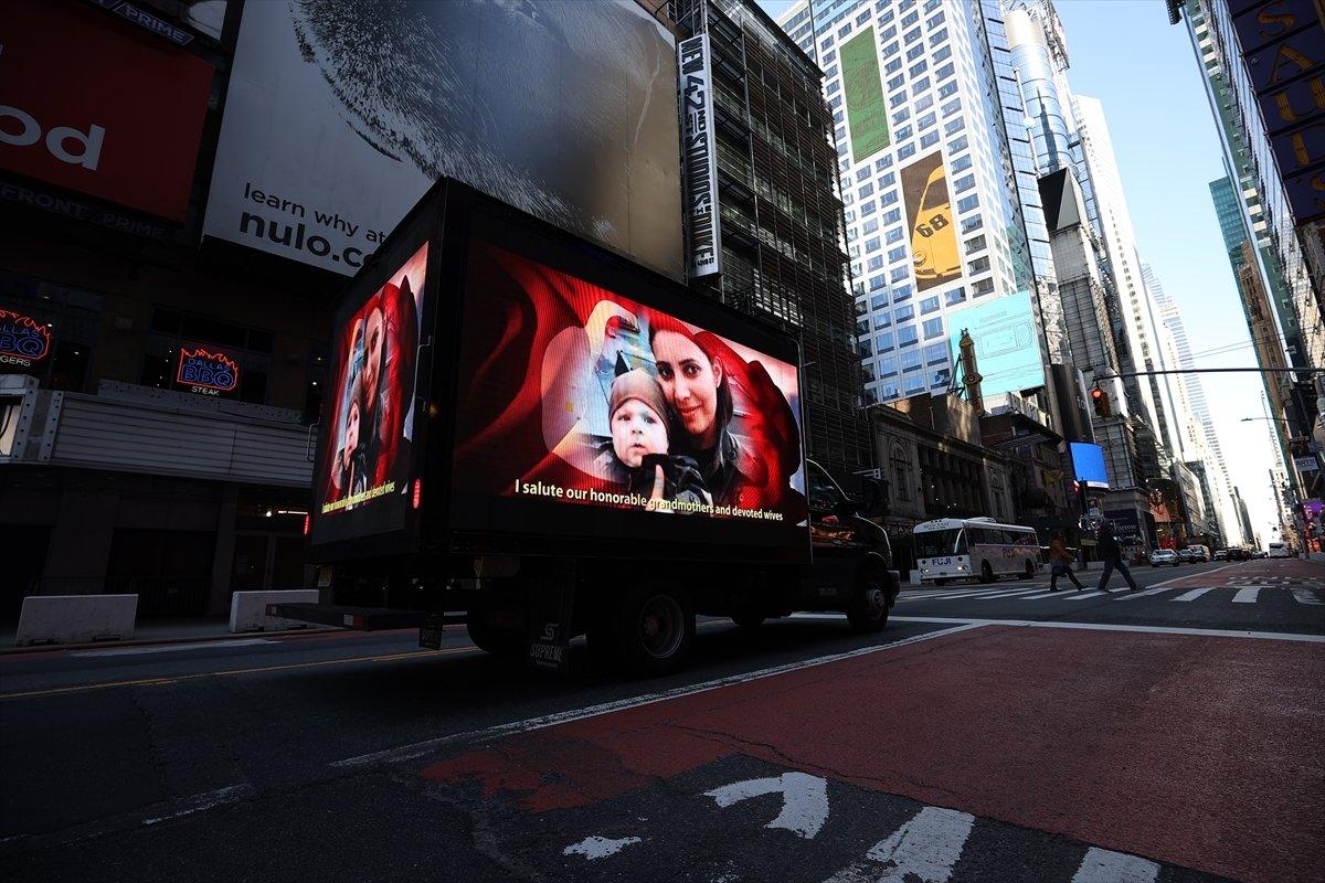 Times Meydanı nda FETÖ ilanına karşı dijital ekranlı kamyonet dolaştırıldı #1