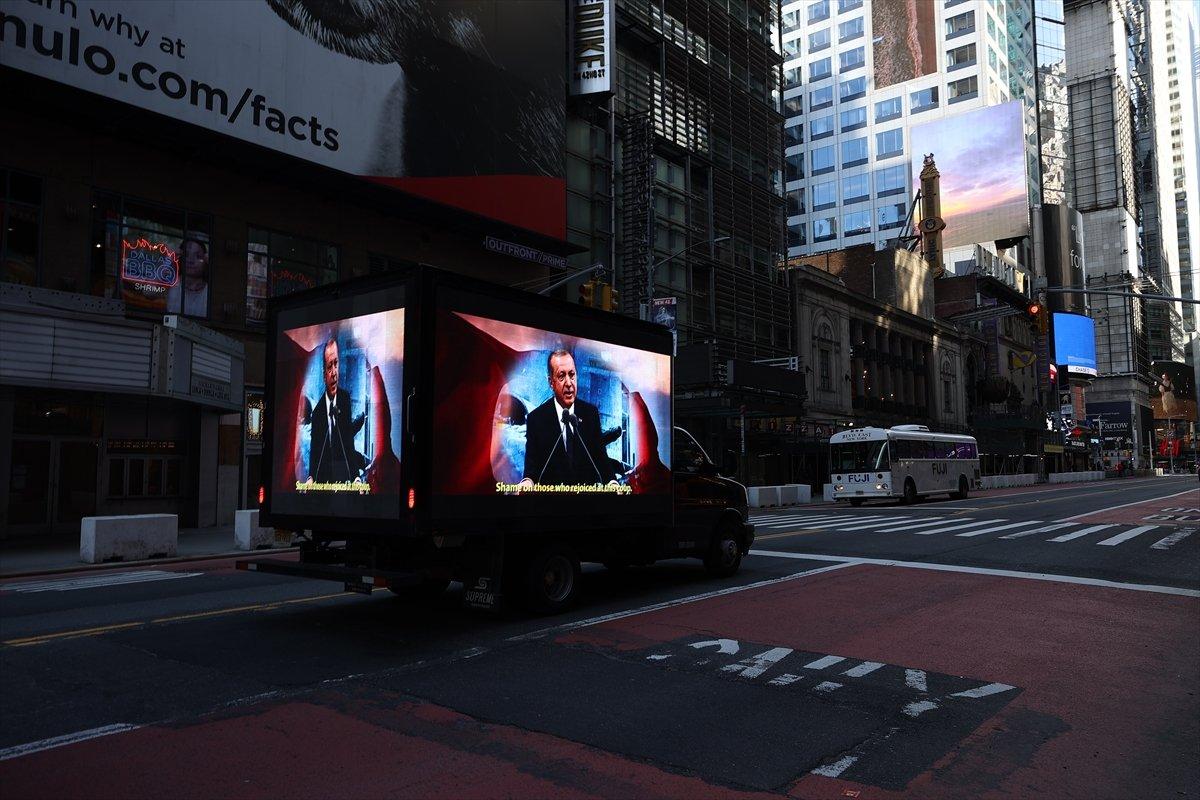 Times Meydanı nda FETÖ ilanına karşı dijital ekranlı kamyonet dolaştırıldı #2