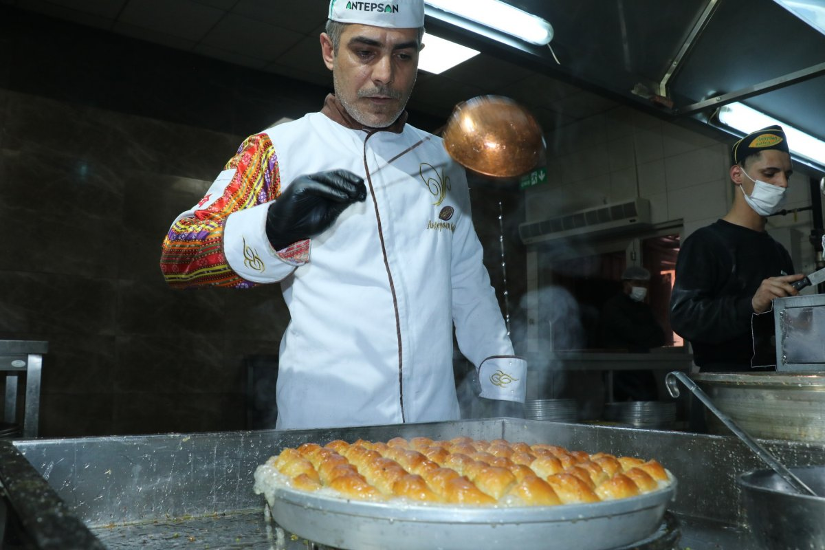 Normalleşmeyle beraber Gaziantep te baklavaya talep arttı #2