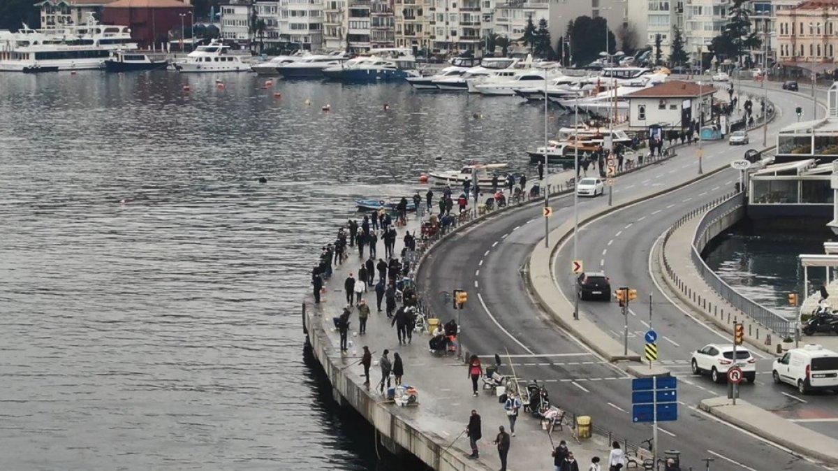 Kısıtlamasız ilk hafta sonunda İstanbul'da yoğun trafik #3