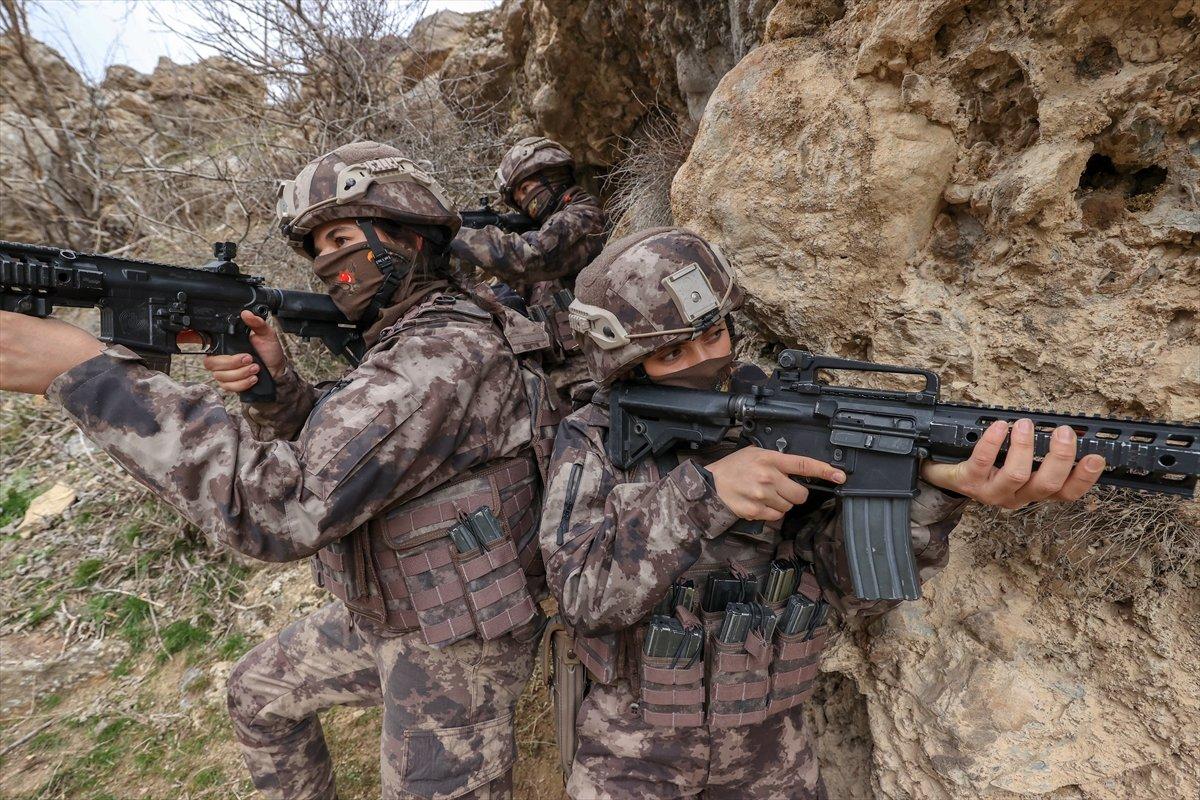 Hakkari de PKK nın korkulu rüyası: Kadın özel harekatçılar #10
