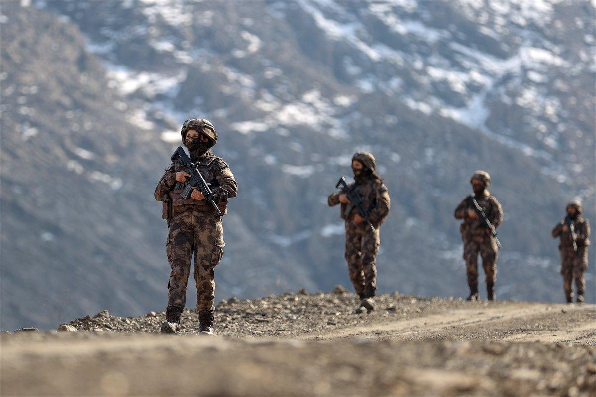 Hakkari de PKK nın korkulu rüyası: Kadın özel harekatçılar #11