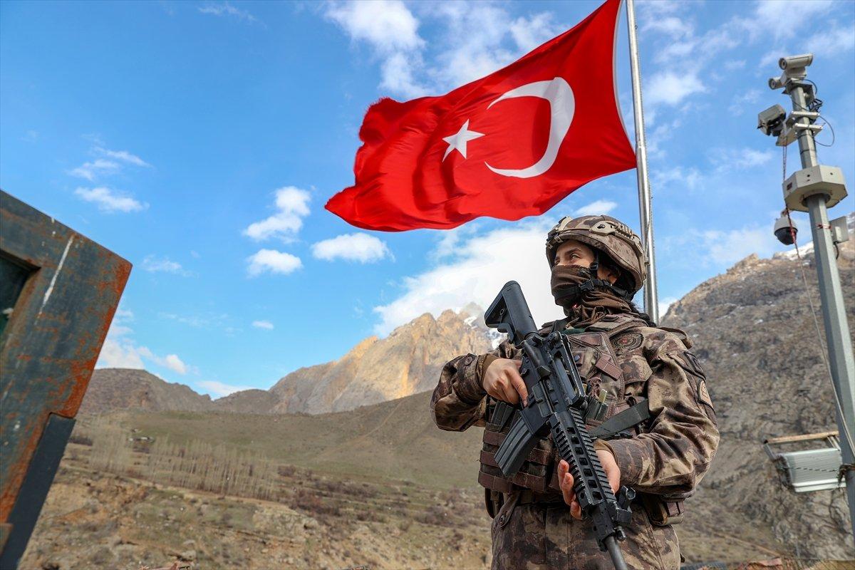 Hakkari de PKK nın korkulu rüyası: Kadın özel harekatçılar #2