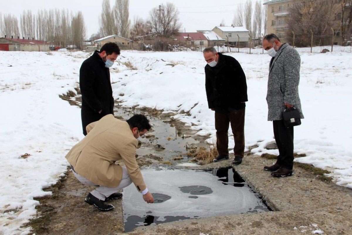 Erzurum'daki yanan su görenleri şaşkına çeviriyor #4