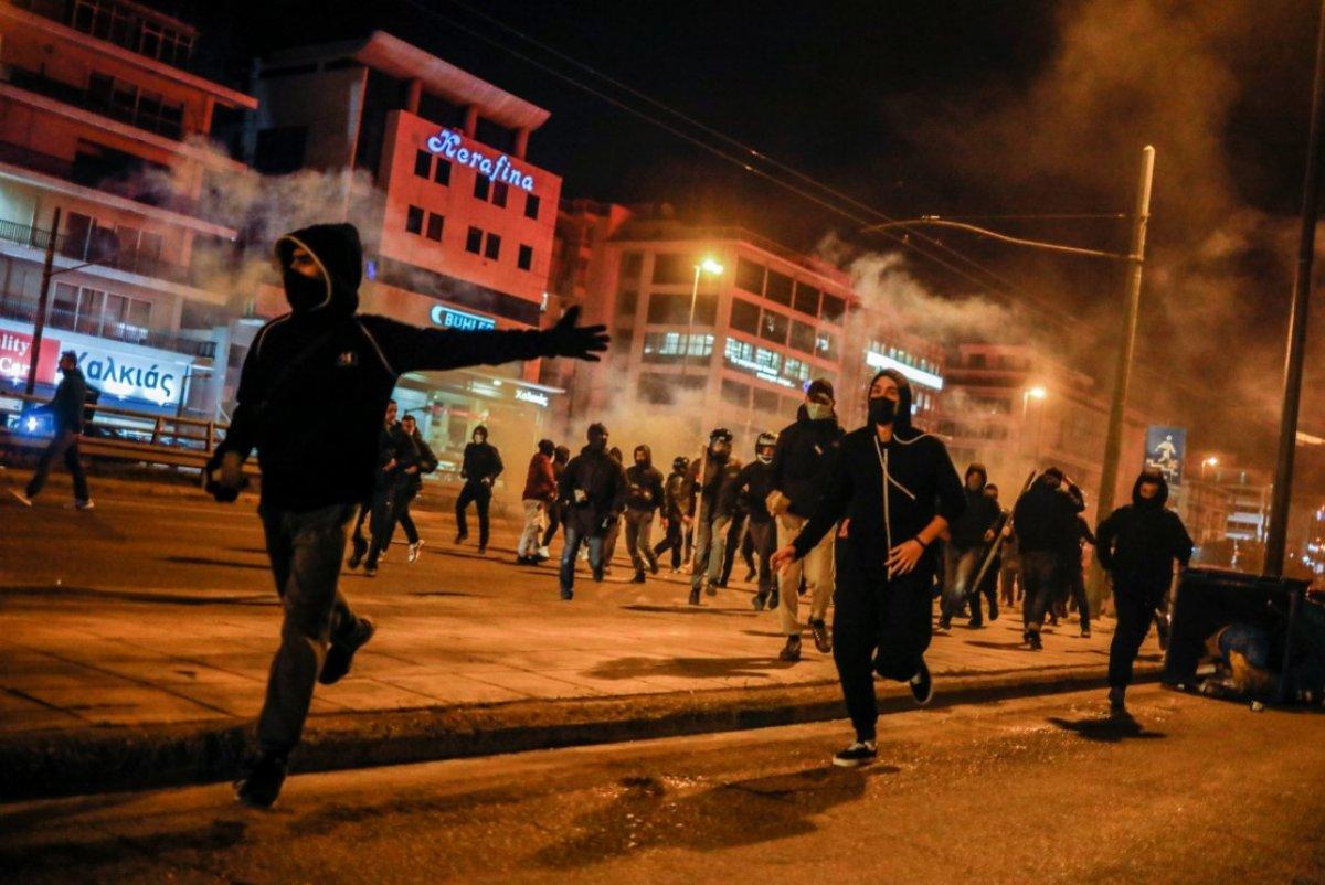 Atina da protestocular polisle çatıştı #5