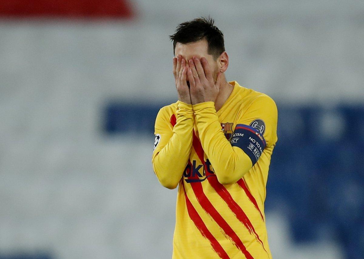 Messi PSG maçında penaltı kaçırdı #3