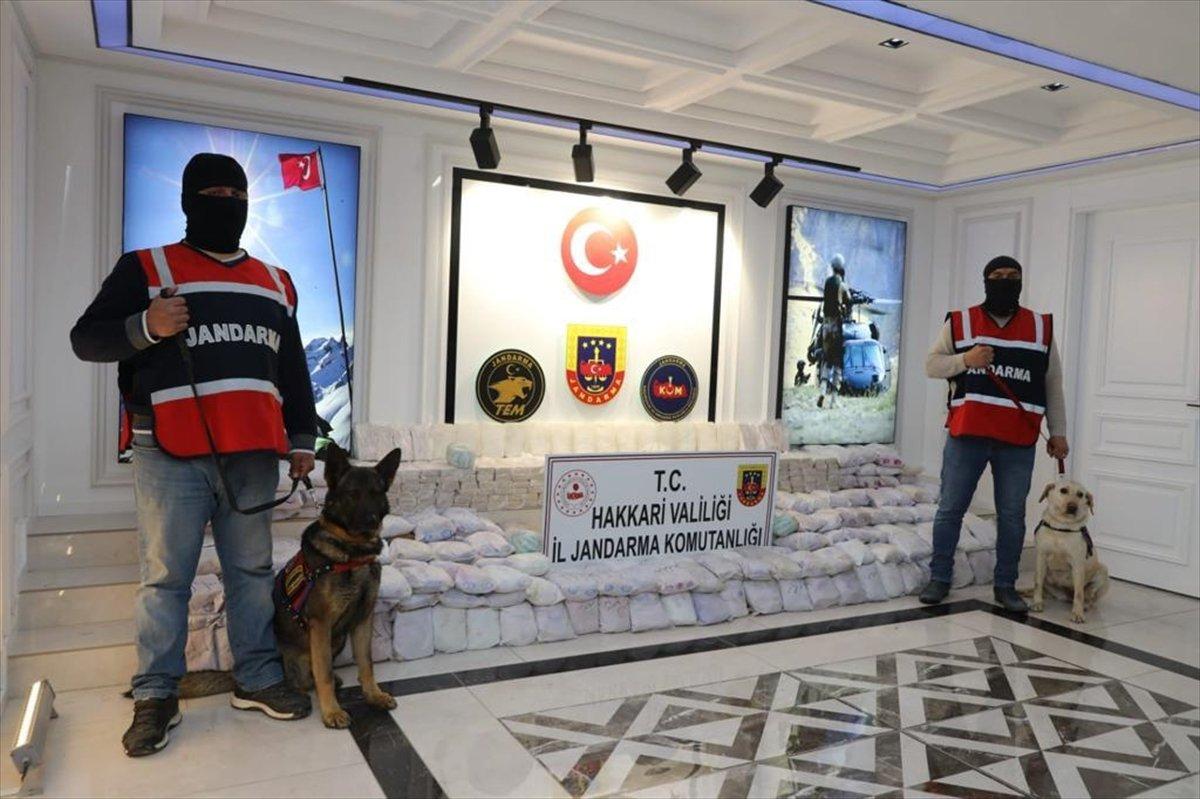 Hakkari de terör operasyonu: 482 kilo eroin ele geçirildi #2