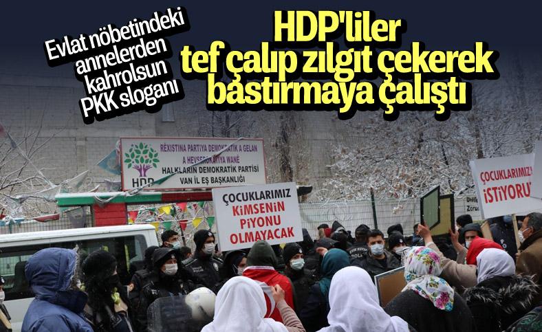 Van'da kar yağışına rağmen evlat eylemini HDP'liler engellemeye çalıştı
