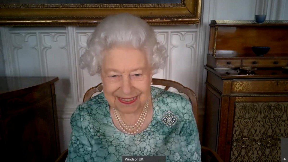 Kraliçe Elizabeth ten  ırkçı değiliz  videosu #2