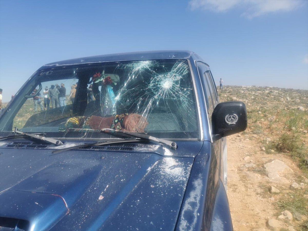 Yahudi yerleşimciler, Filistinli anne ile babayı çocuklarının gözü önünde yaraladı #2