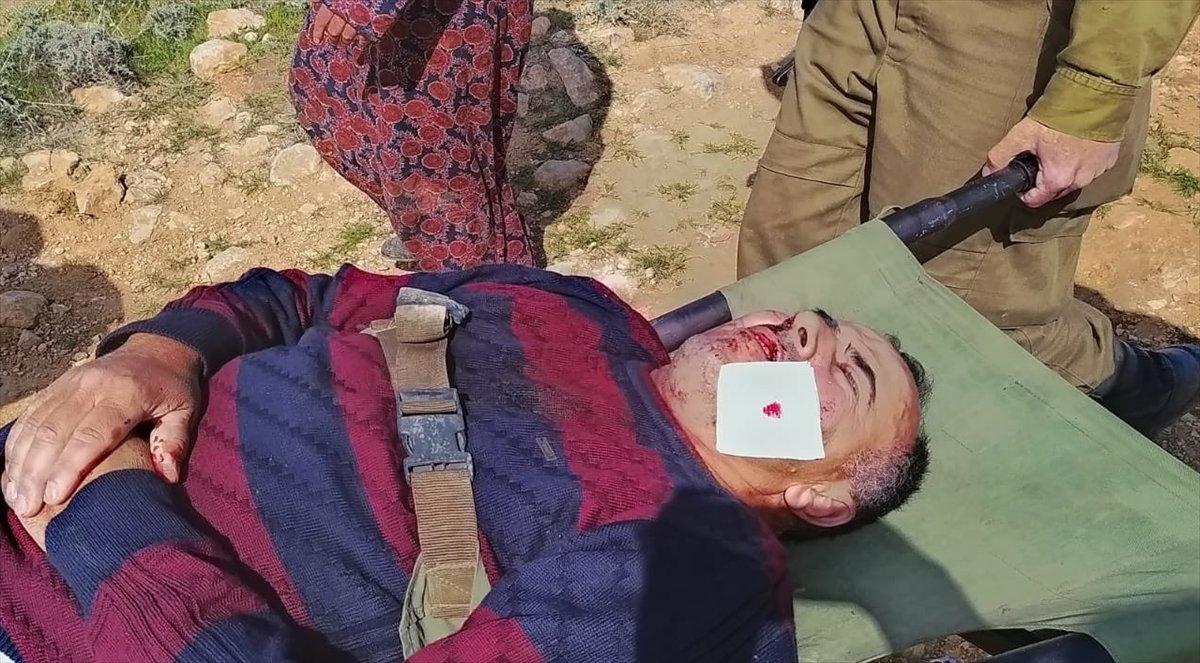 Yahudi yerleşimciler, Filistinli anne ile babayı çocuklarının gözü önünde yaraladı #3