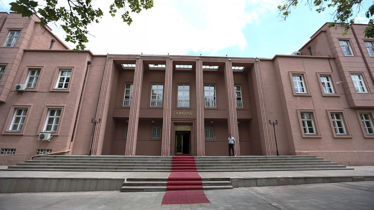 Yargıtay dan HDP ye kapatma davası #1