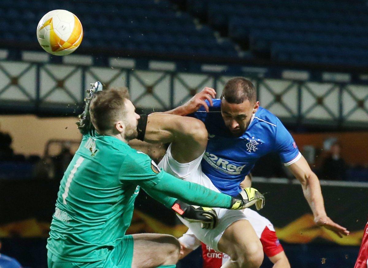Rangers, Slavia Prag karşılaşmasındaki faul maça damga vurdu #3