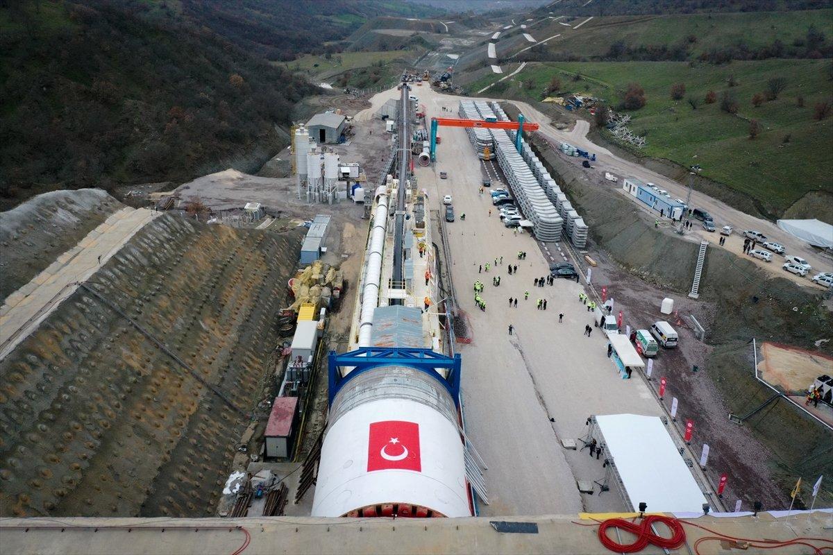 Ankara-İzmir Hızlı Tren Hattı nda tünel kazımı başladı #2