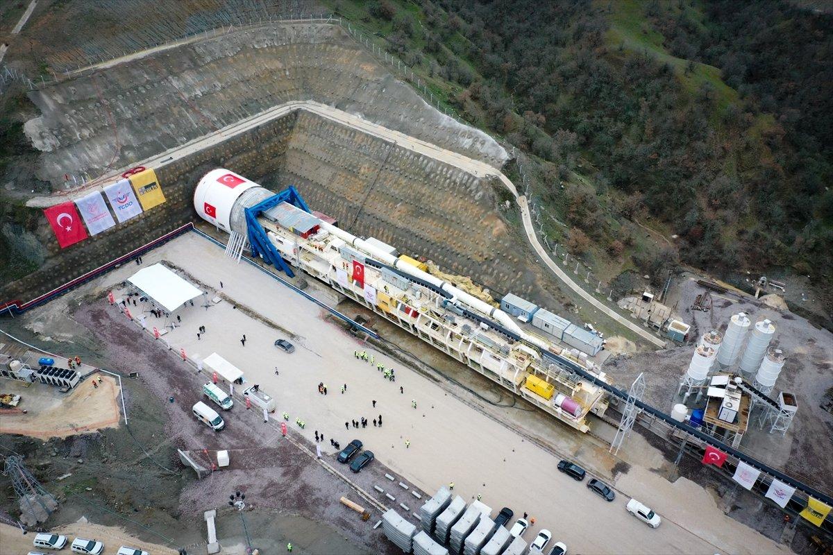 Ankara-İzmir Hızlı Tren Hattı nda tünel kazımı başladı #1